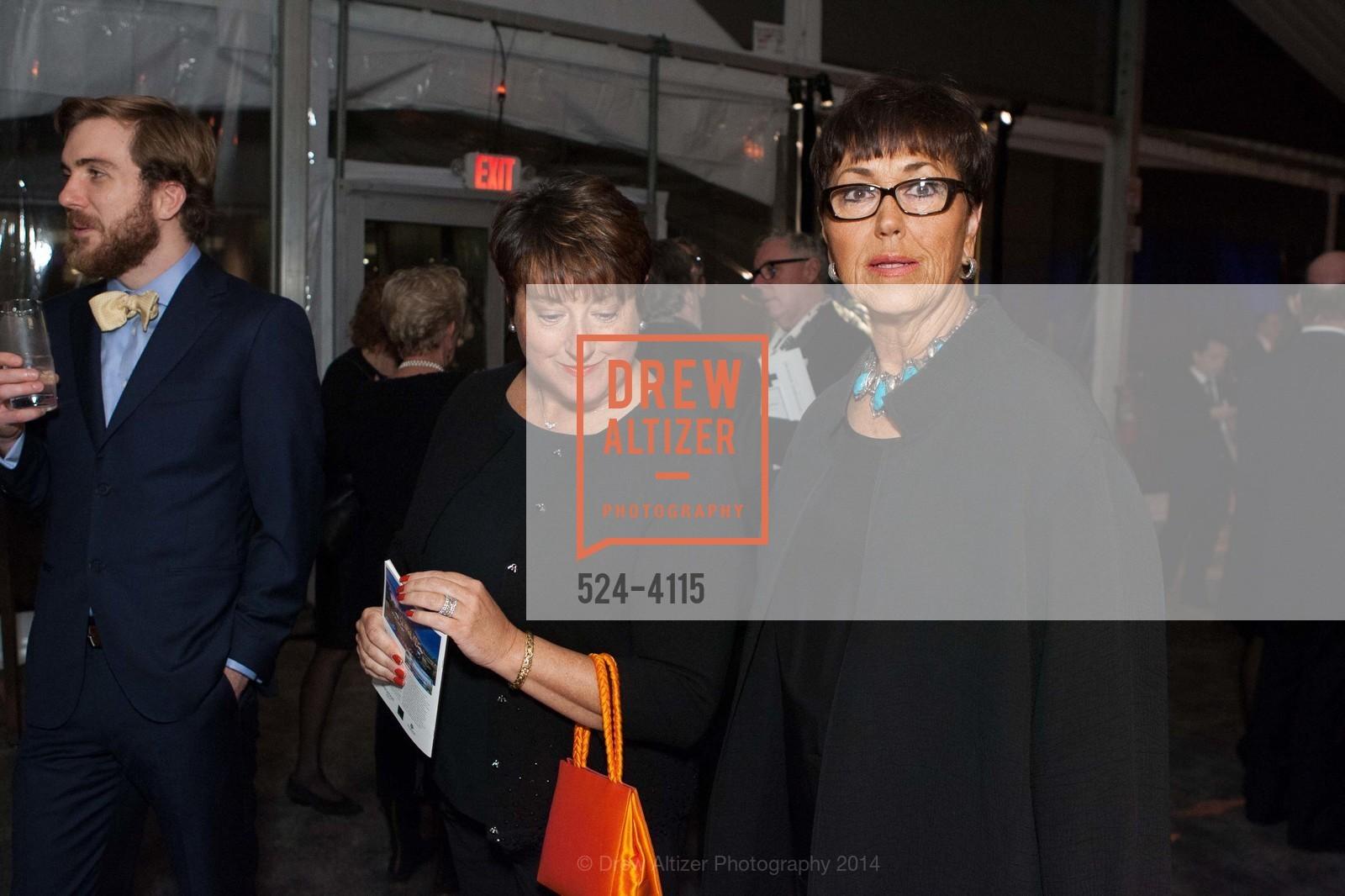 Melanie Wallace, Barbara Trainer, Photo #524-4115