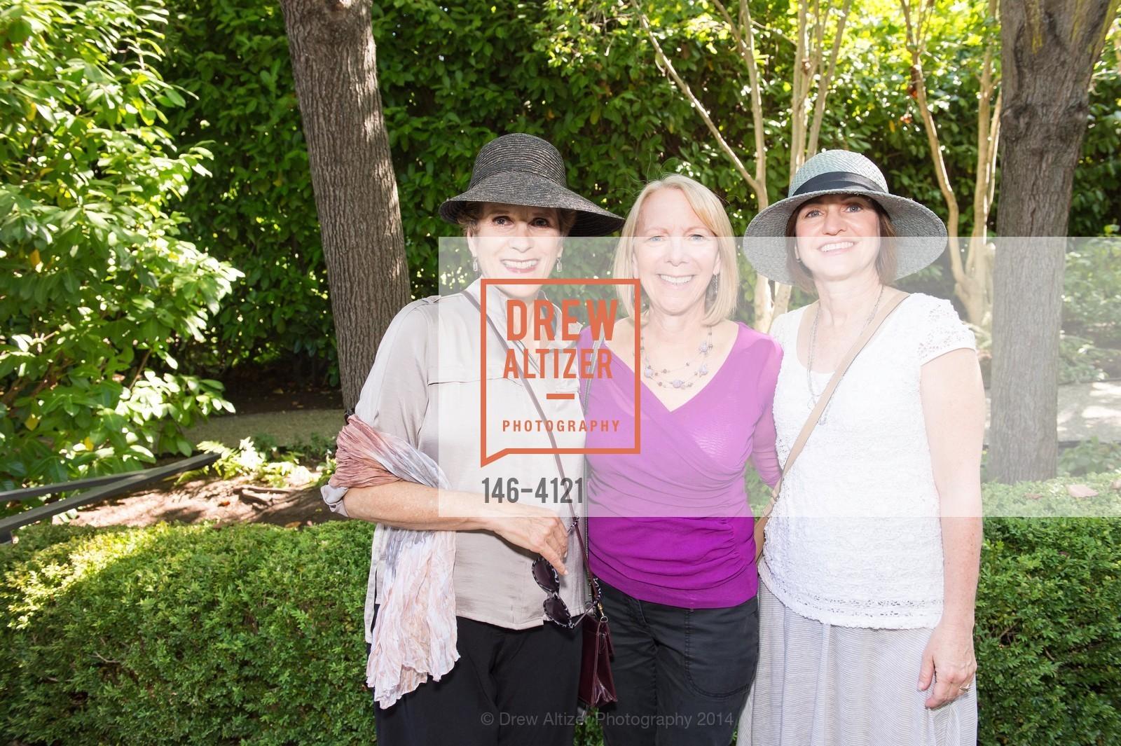 Debbie Simon, Marsha Ginsburg, Marilyn Elperin, Photo #146-4121