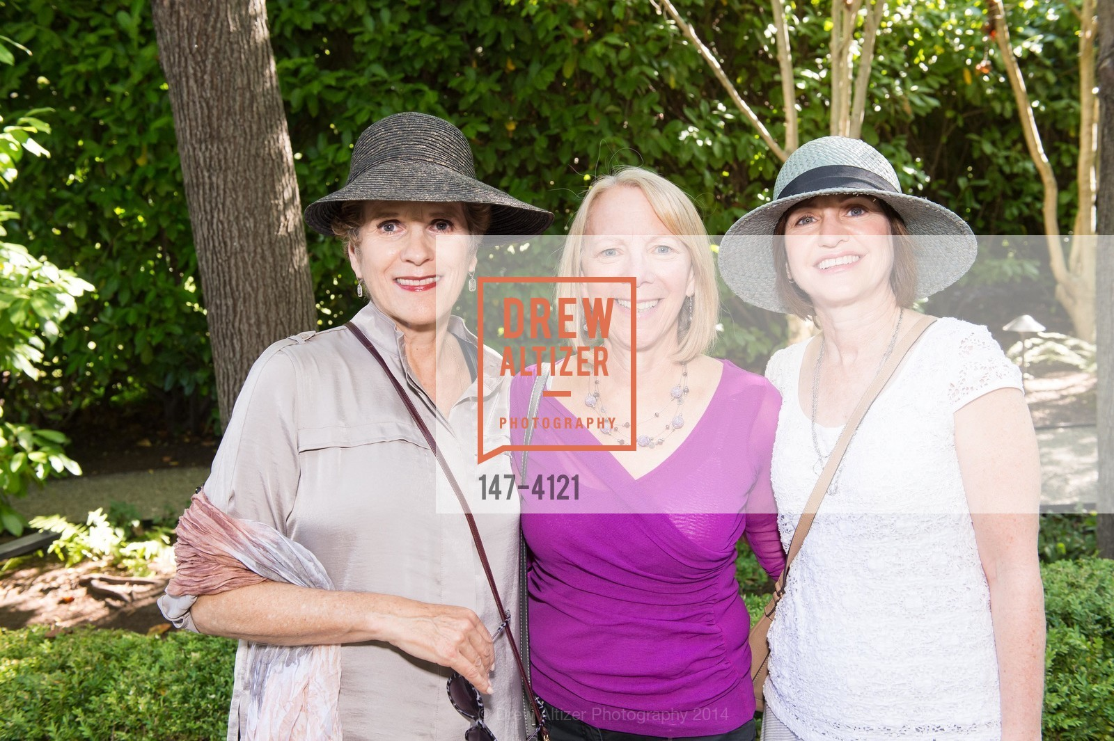 Debbie Simon, Marsha Ginsburg, Marilyn Elperin, Photo #147-4121
