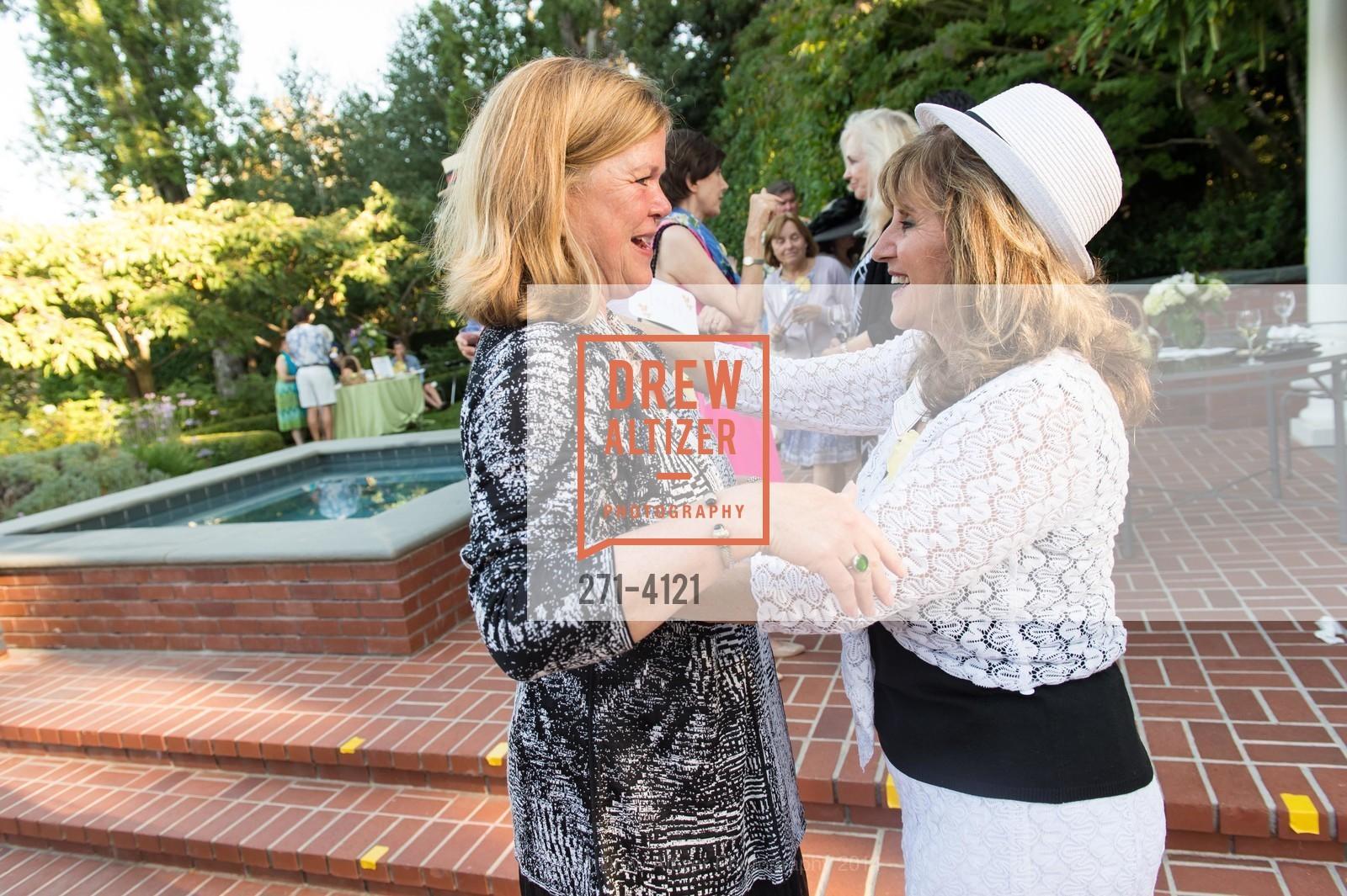 Nancy Rowe, Dena Zwingle, Photo #271-4121