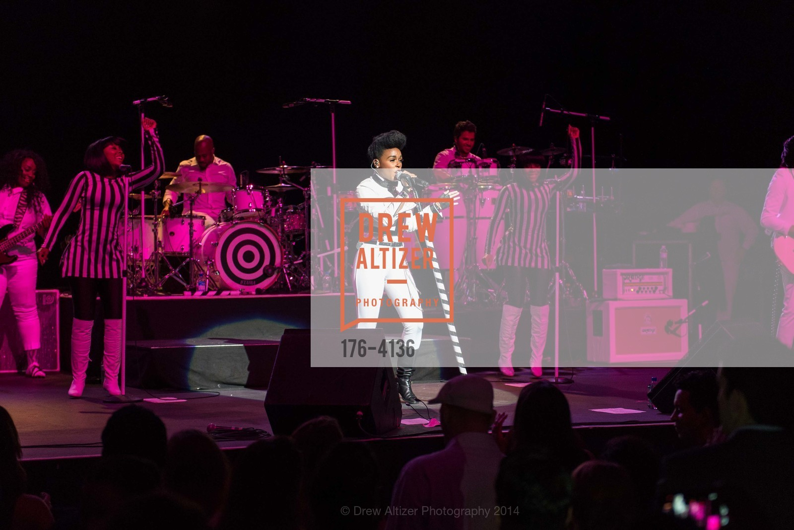 Performance By Janelle Monae, Photo #176-4136