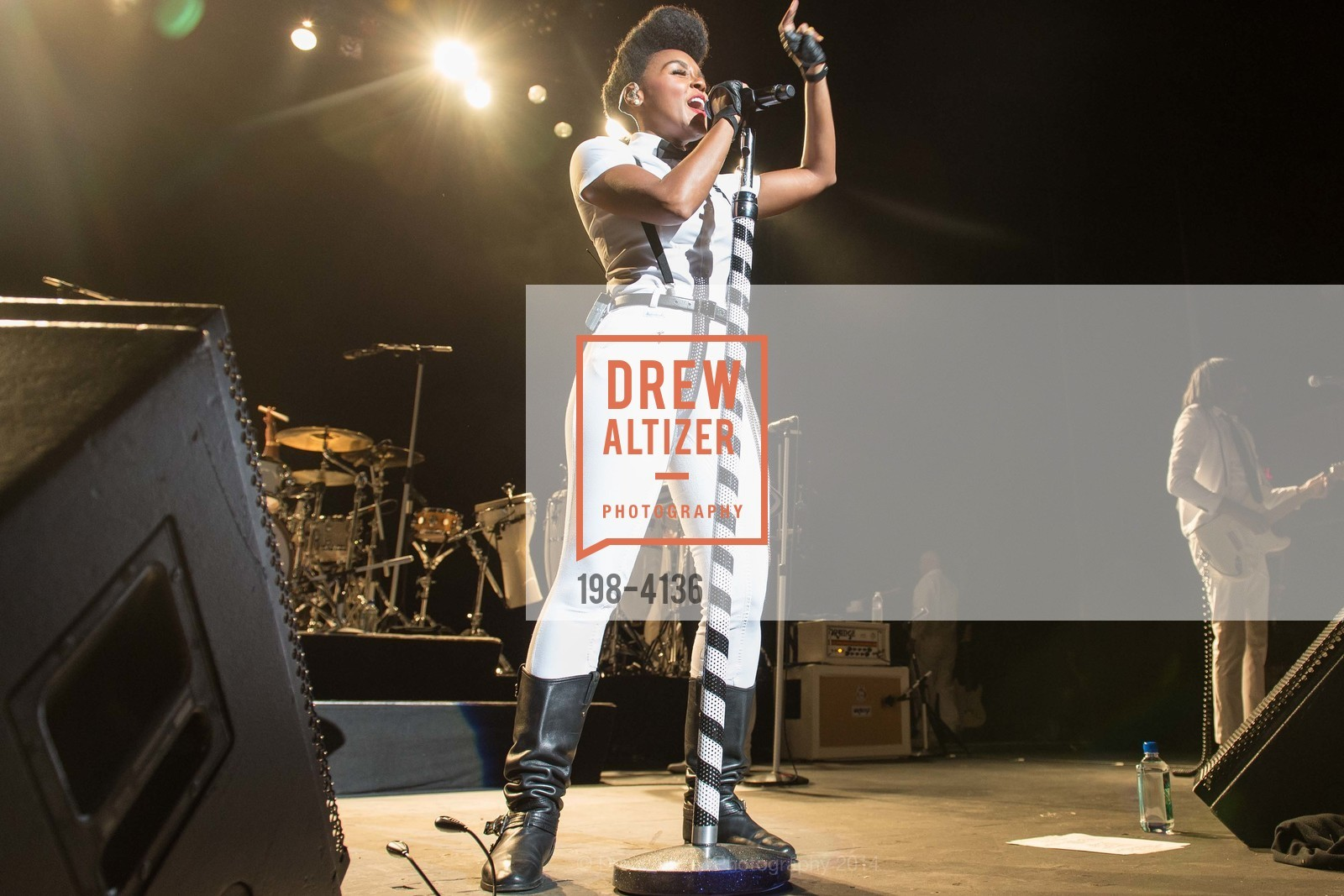 Performance By Janelle Monae, Photo #198-4136