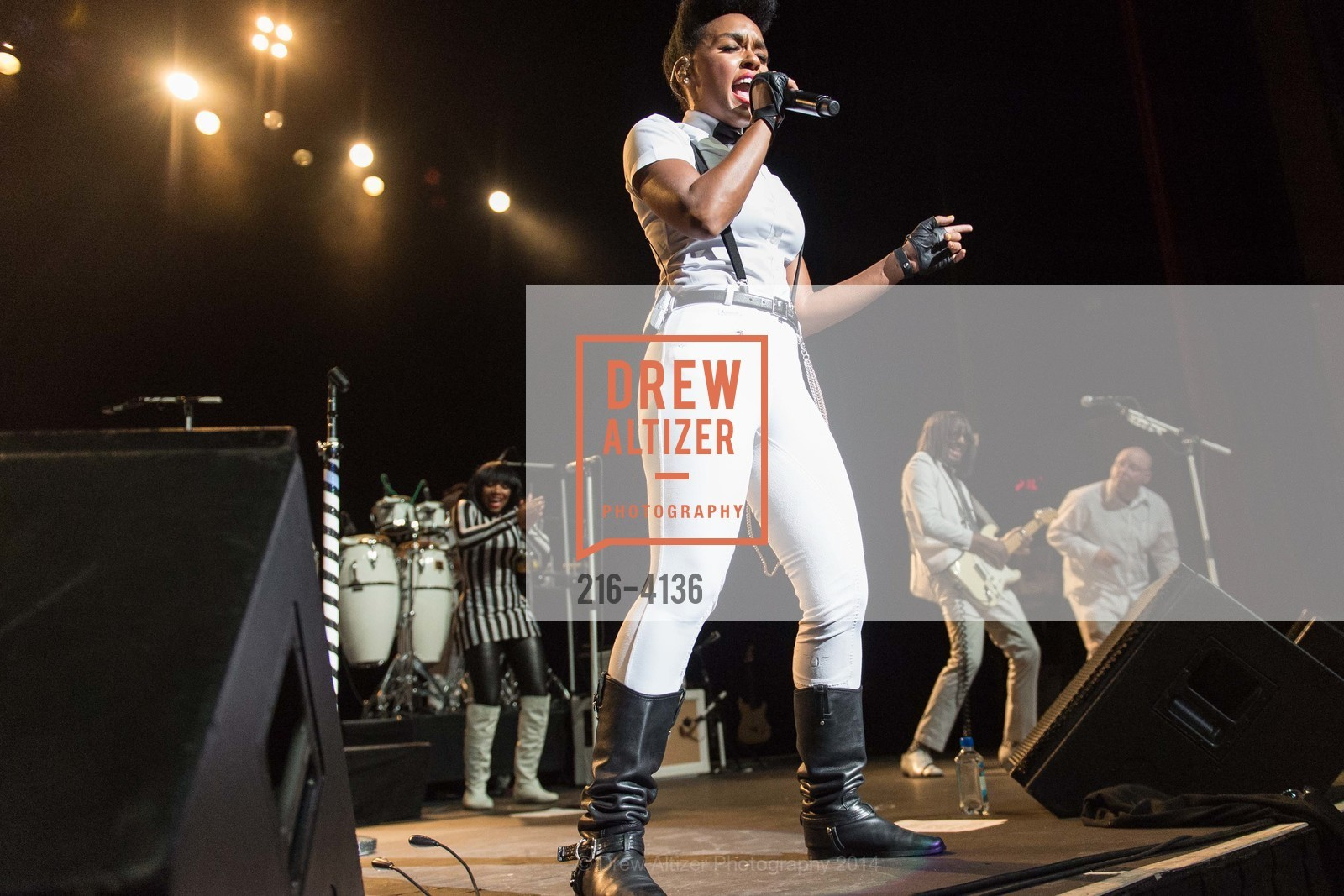 Performance By Janelle Monae, Photo #216-4136