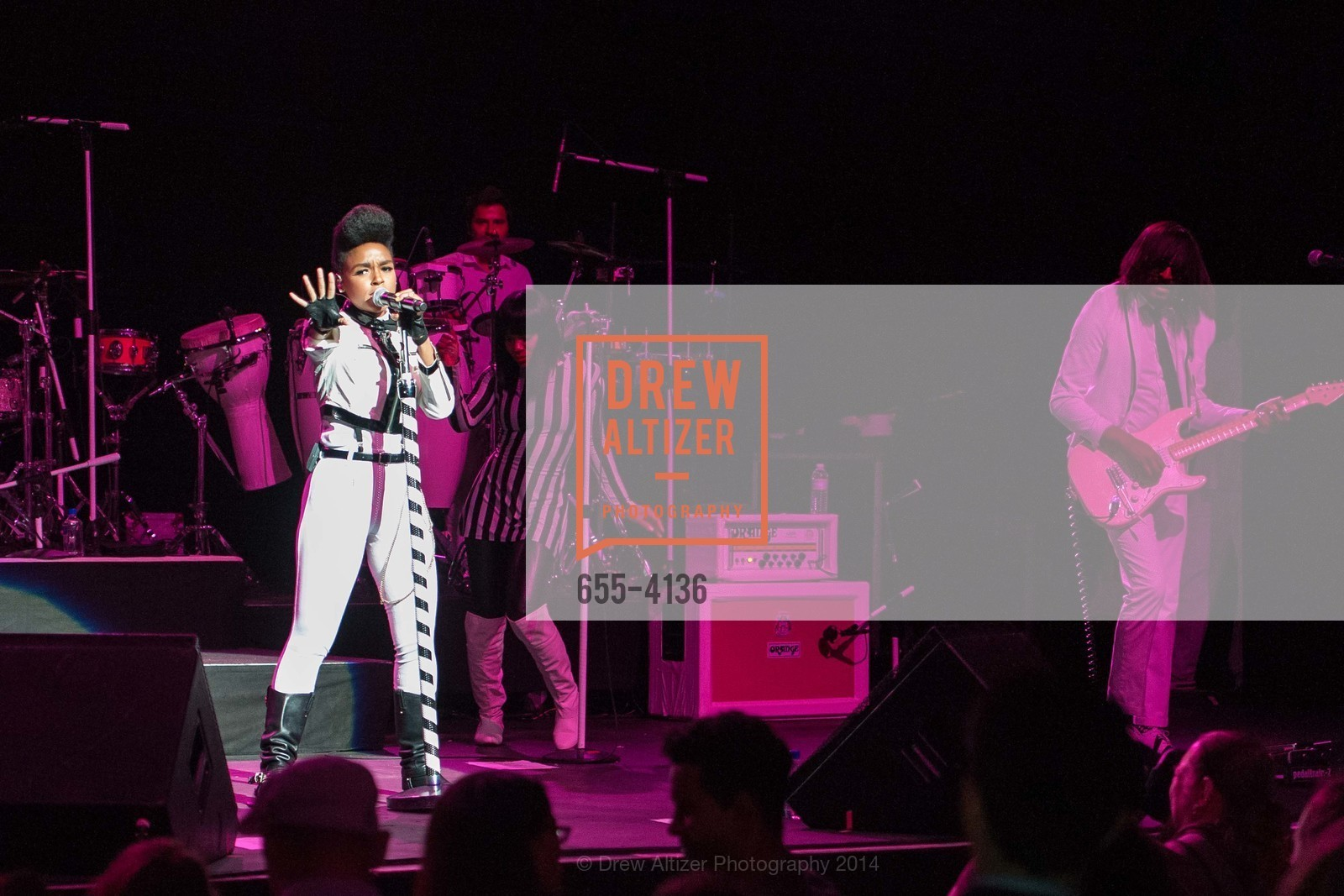 Performance By Janelle Monae, Photo #655-4136