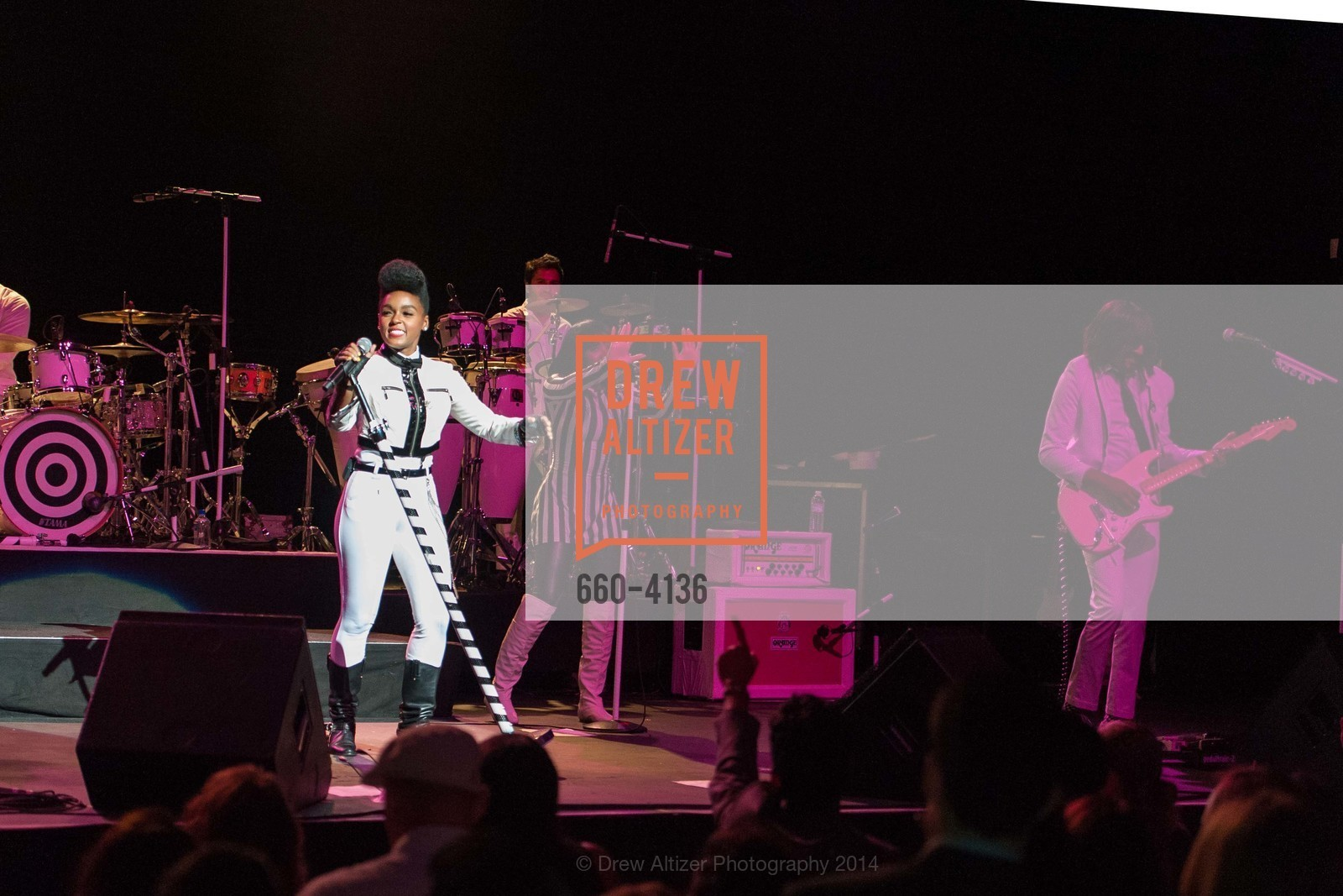 Performance By Janelle Monae, Photo #660-4136