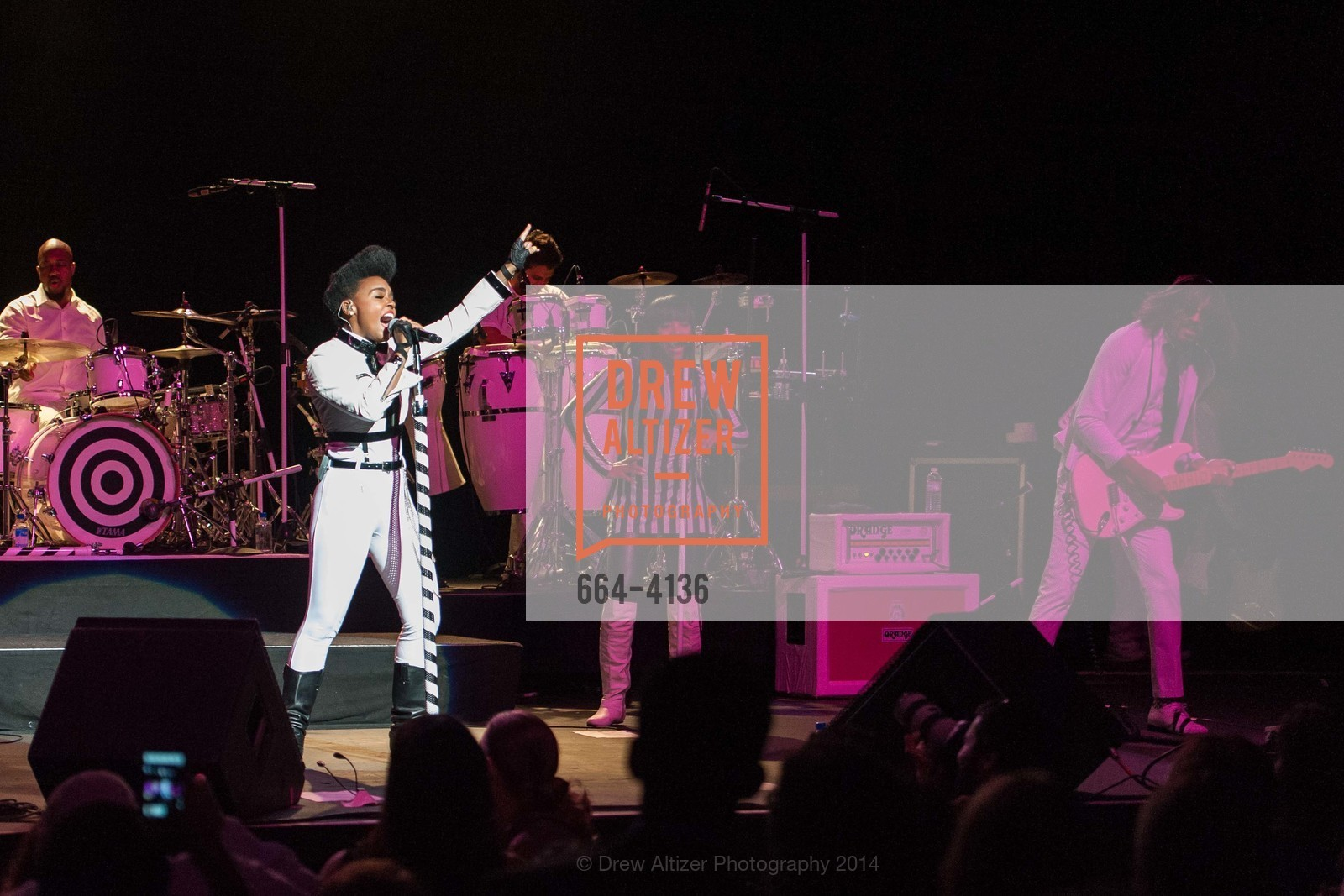 Performance By Janelle Monae, Photo #664-4136