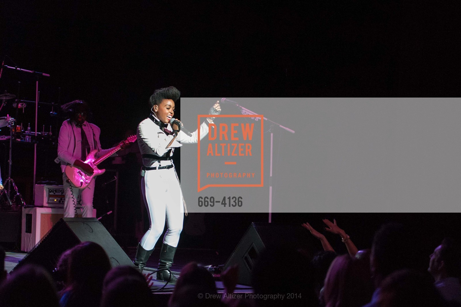 Performance By Janelle Monae, Photo #669-4136