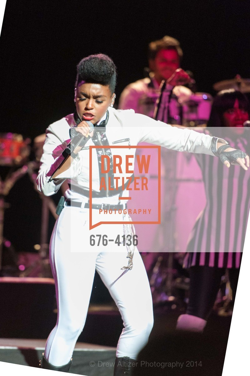 Performance By Janelle Monae, Photo #676-4136