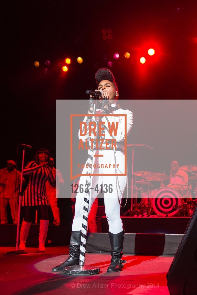 Performance By Janelle Monae, Photo #1263-4136