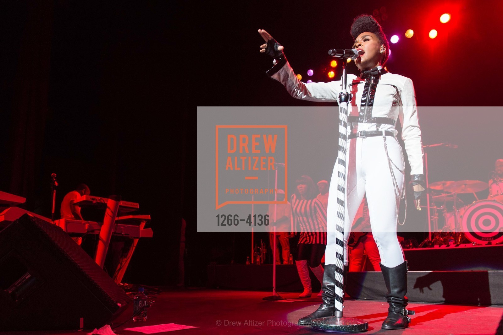 Performance By Janelle Monae, Photo #1266-4136