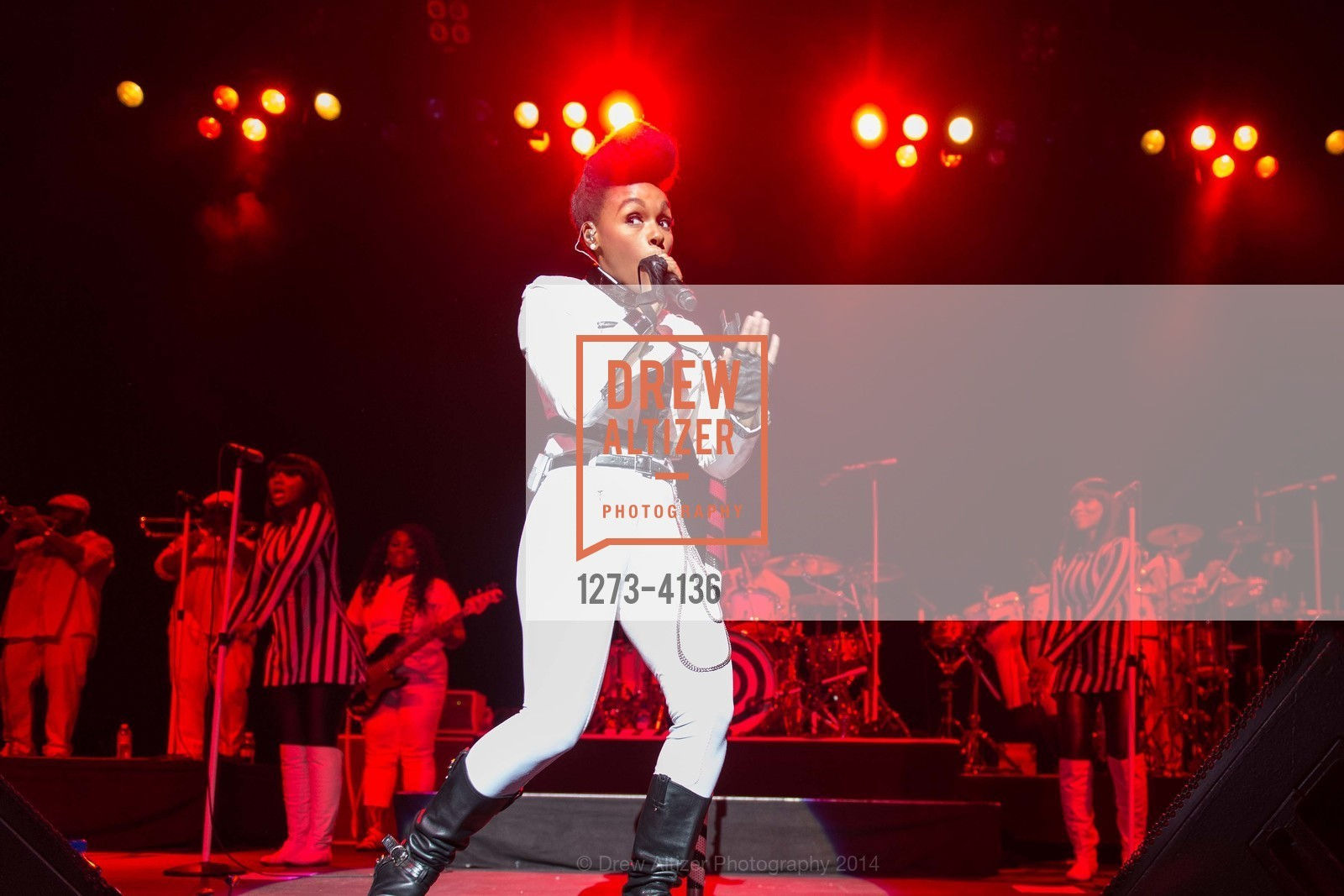 Performance By Janelle Monae, Photo #1273-4136