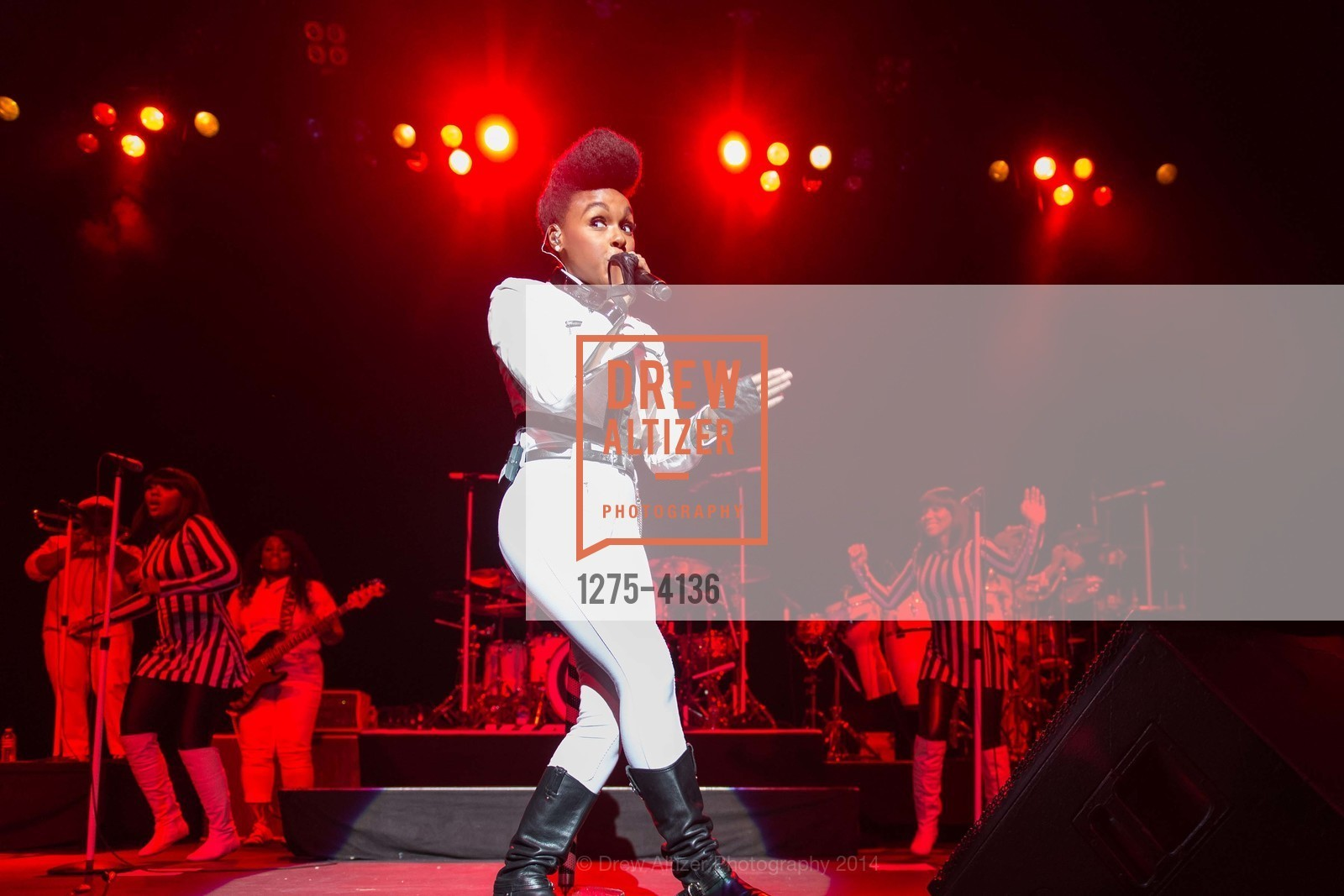 Performance By Janelle Monae, Photo #1275-4136