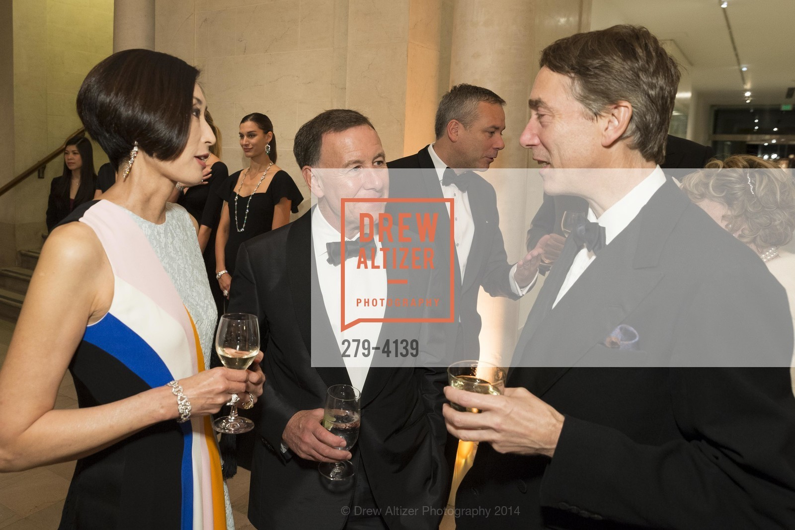 Yurie Pascarella, Carl Pascarella, Lord Cholmondeley, Photo #279-4139