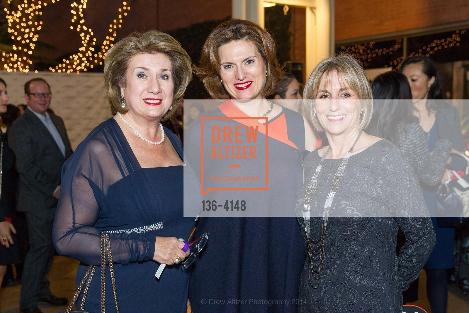 Irene Oykhman, Julia Schoss, Julie Kelly, Photo #136-4148