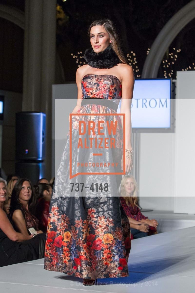 Fashion Show, Photo #737-4148