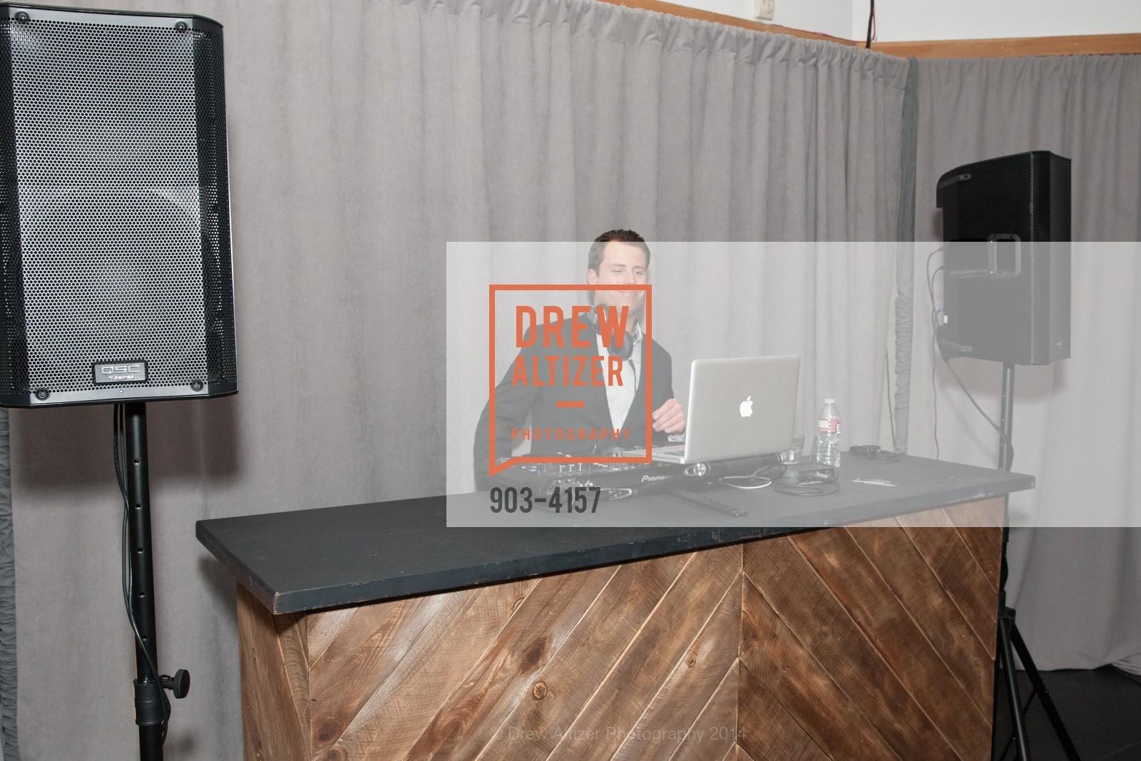 DJ Josh Dukes, Photo #903-4157