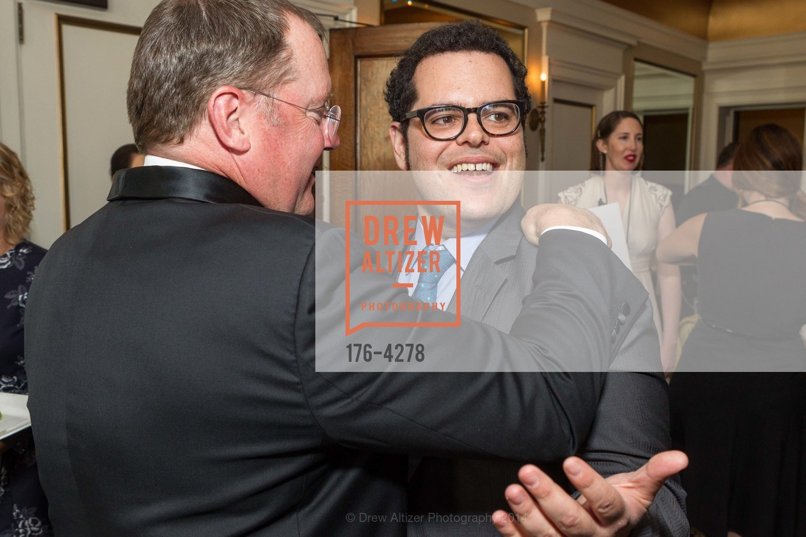 John Lasseter, Josh Gad, Photo #176-4278