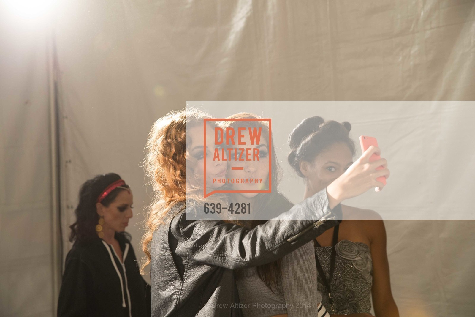 Backstage, Photo #639-4281