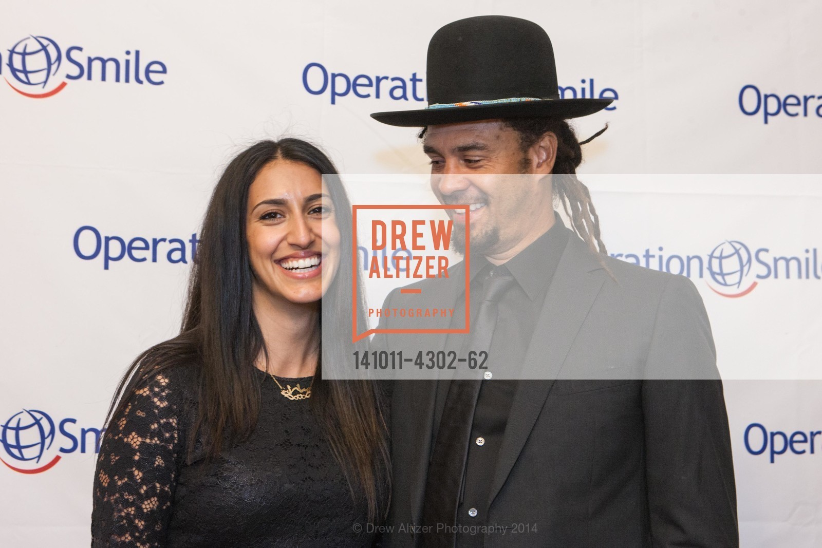 Sara Agah, Michael Franti, Photo #141011-4302-62