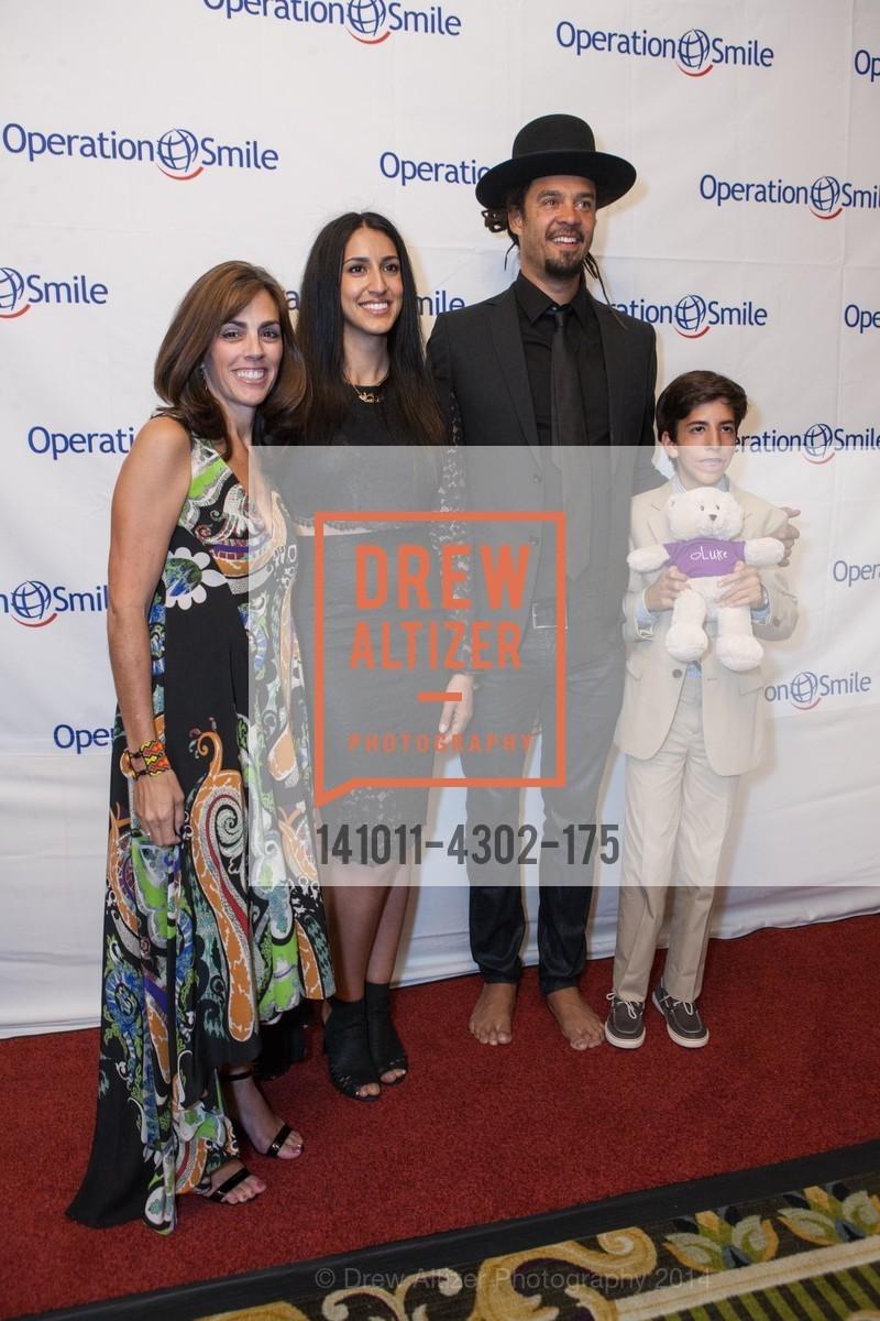 Lisa Lori, Sara Agah, Michael Franti, Griffin Lori, Photo #141011-4302-175