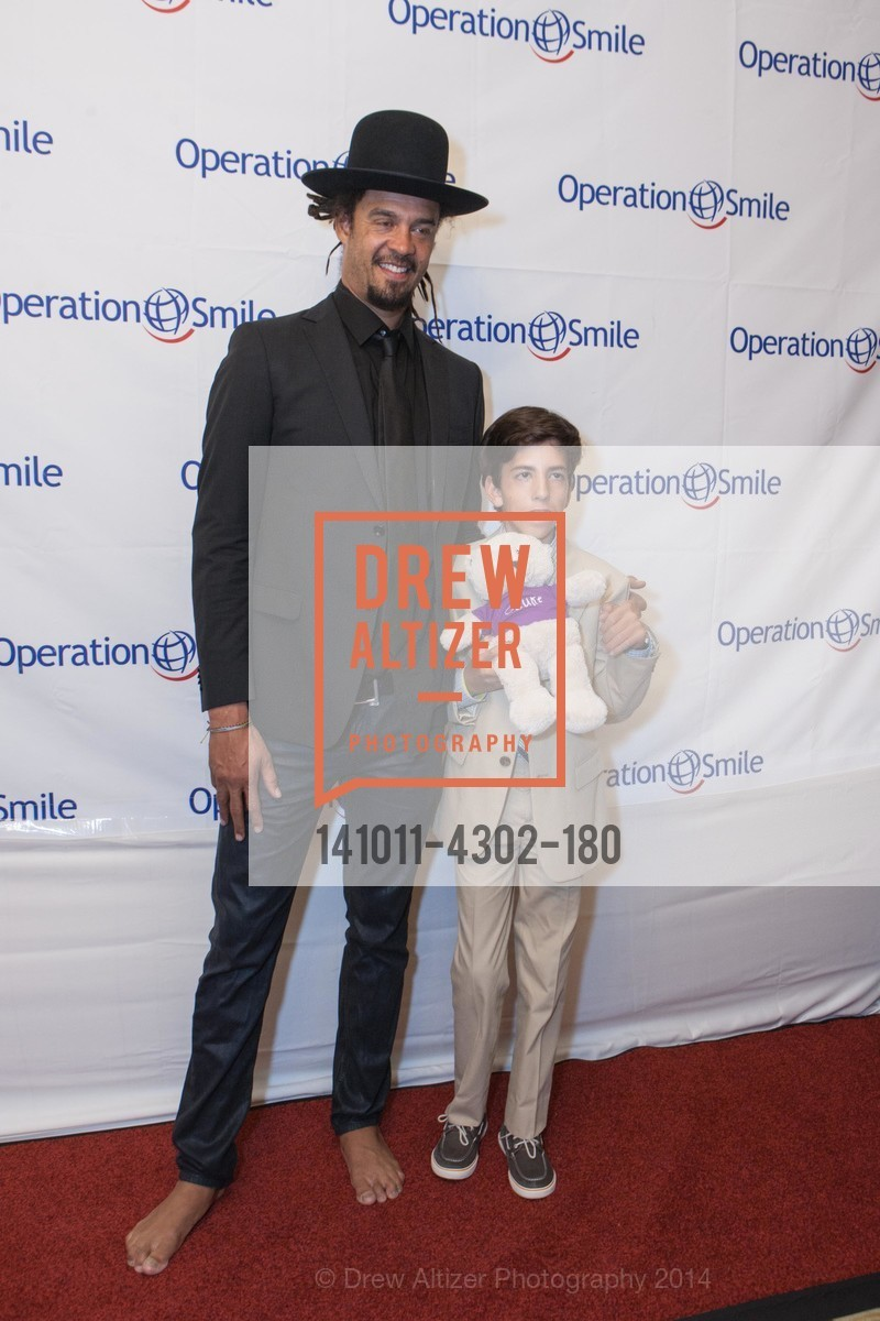 Michael Franti, Griffin Lori, Photo #141011-4302-180