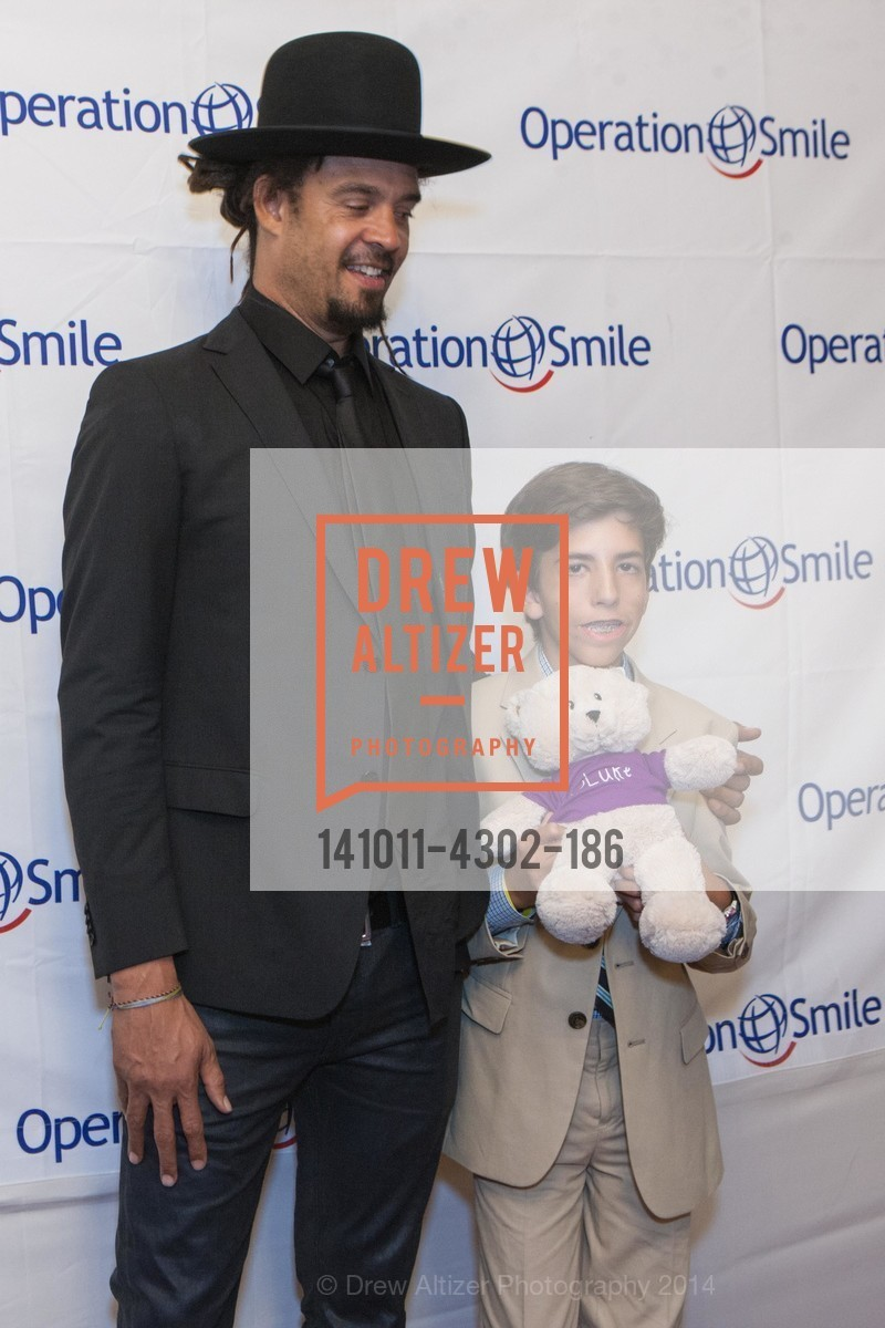 Michael Franti, Griffin Lori, Photo #141011-4302-186