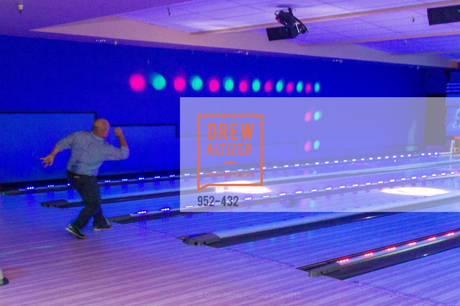 Bowling, ScavulloDesign Centric Builders Bowling Party, Presidio Bowl. 93 Moraga Ave, October 29th, 2015,Drew Altizer, Drew Altizer Photography, full-service agency, private events, San Francisco photographer, photographer california