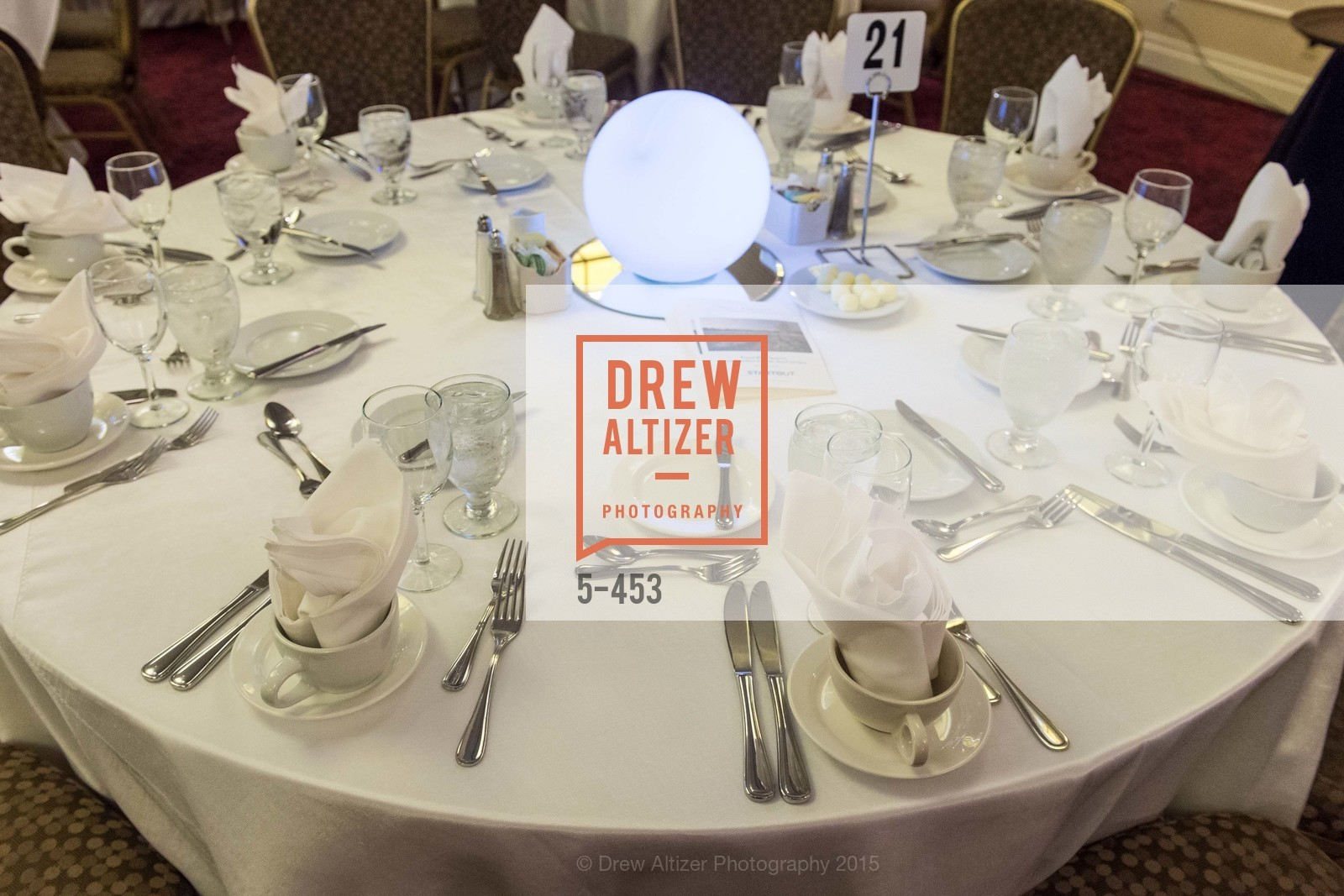 Atmosphere, The 2015 StartOut Awards, Kabuki Hotel. 2525 Van Ness St, November 5th, 2015,Drew Altizer, Drew Altizer Photography, full-service agency, private events, San Francisco photographer, photographer california