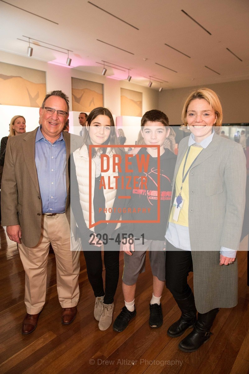 Keith Tuozzolo, Ryan Tuozzolo, Maxwell Tuozzolo, Sheila Pressley, DE YOUNGSTERS A Bigger Family Party, US. US, January 10th, 2014