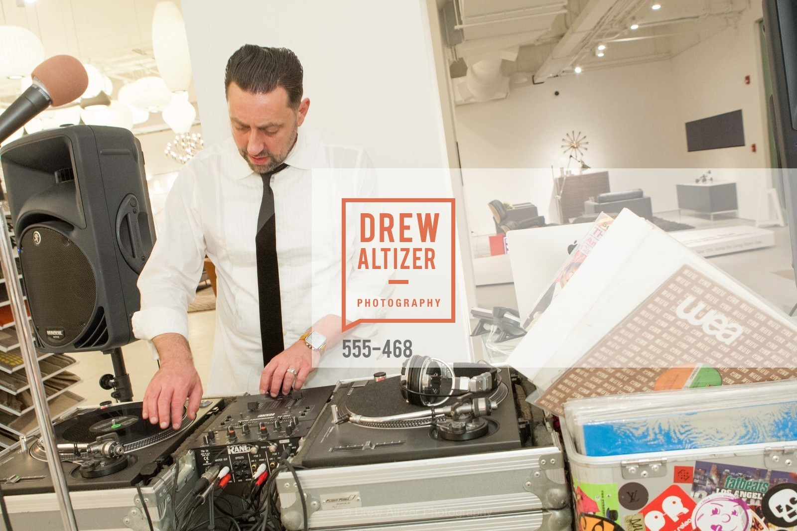 DJ Shane Hunt, DESIGN WITHIN REACH Studio Opening, US. US, January 21st, 2014,Drew Altizer, Drew Altizer Photography, full-service agency, private events, San Francisco photographer, photographer california