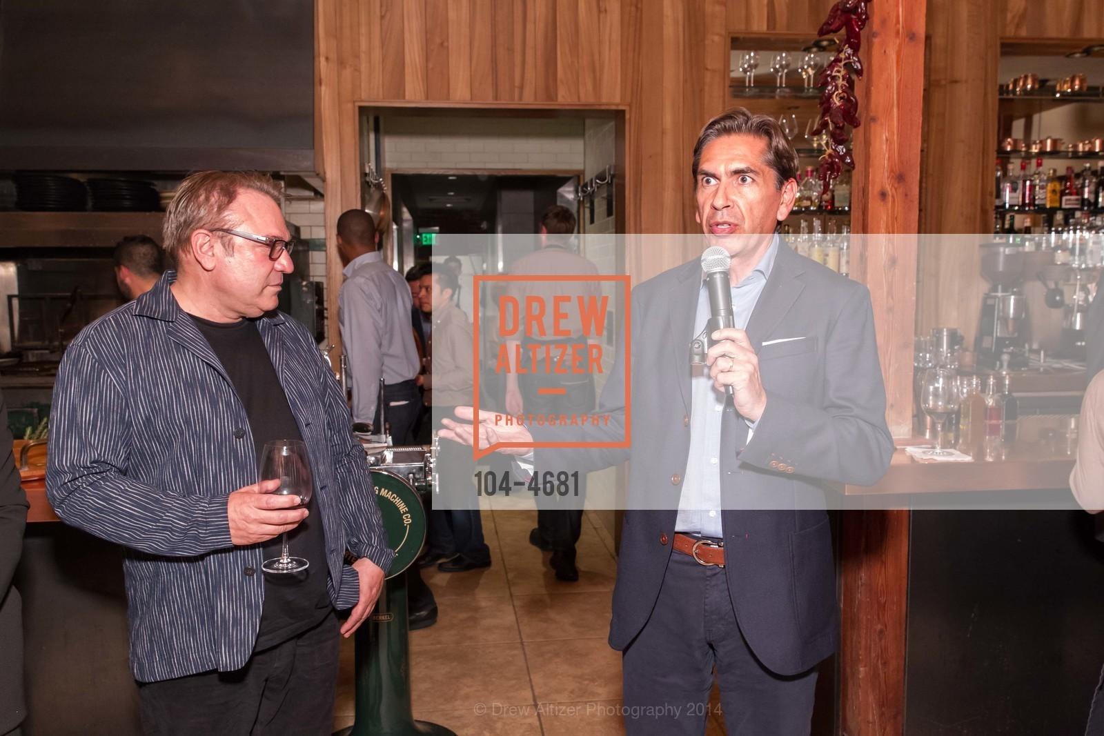 Stanlee Gatti, Jorge Ruiz, Photo #104-4681