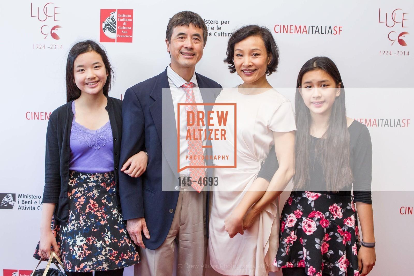 Angela Hui, Peter Hui, Joan Chen, Audrey Hui, Photo #145-4693