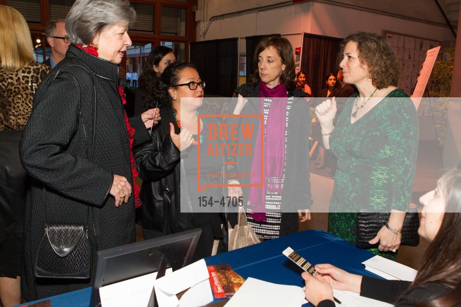 Louise Mackie, Sofia Sanabrais. Sarah Fee, Christina Hellmich, Photo #154-4705