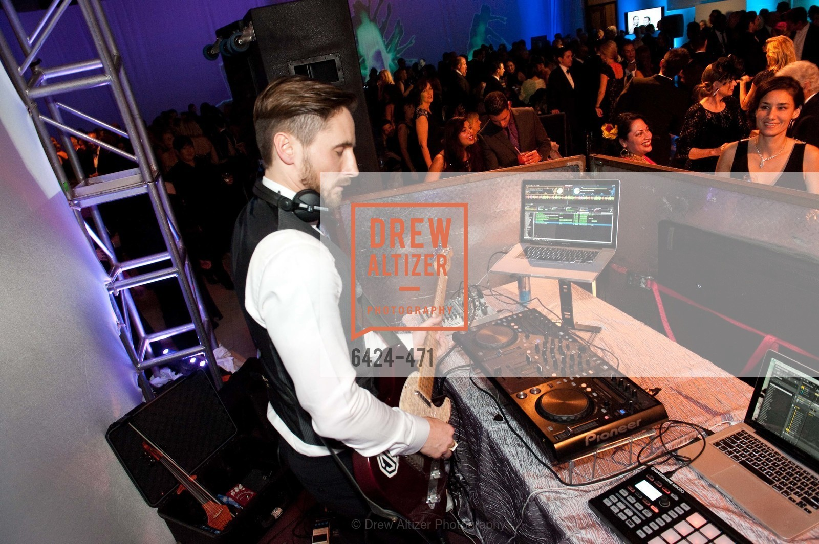 Performance, SAN FRANCISCO BALLET Opening Night Gala: PHENOMENAL - After Party, US. War memorial opera house, January 22nd, 2014,Drew Altizer, Drew Altizer Photography, full-service agency, private events, San Francisco photographer, photographer california