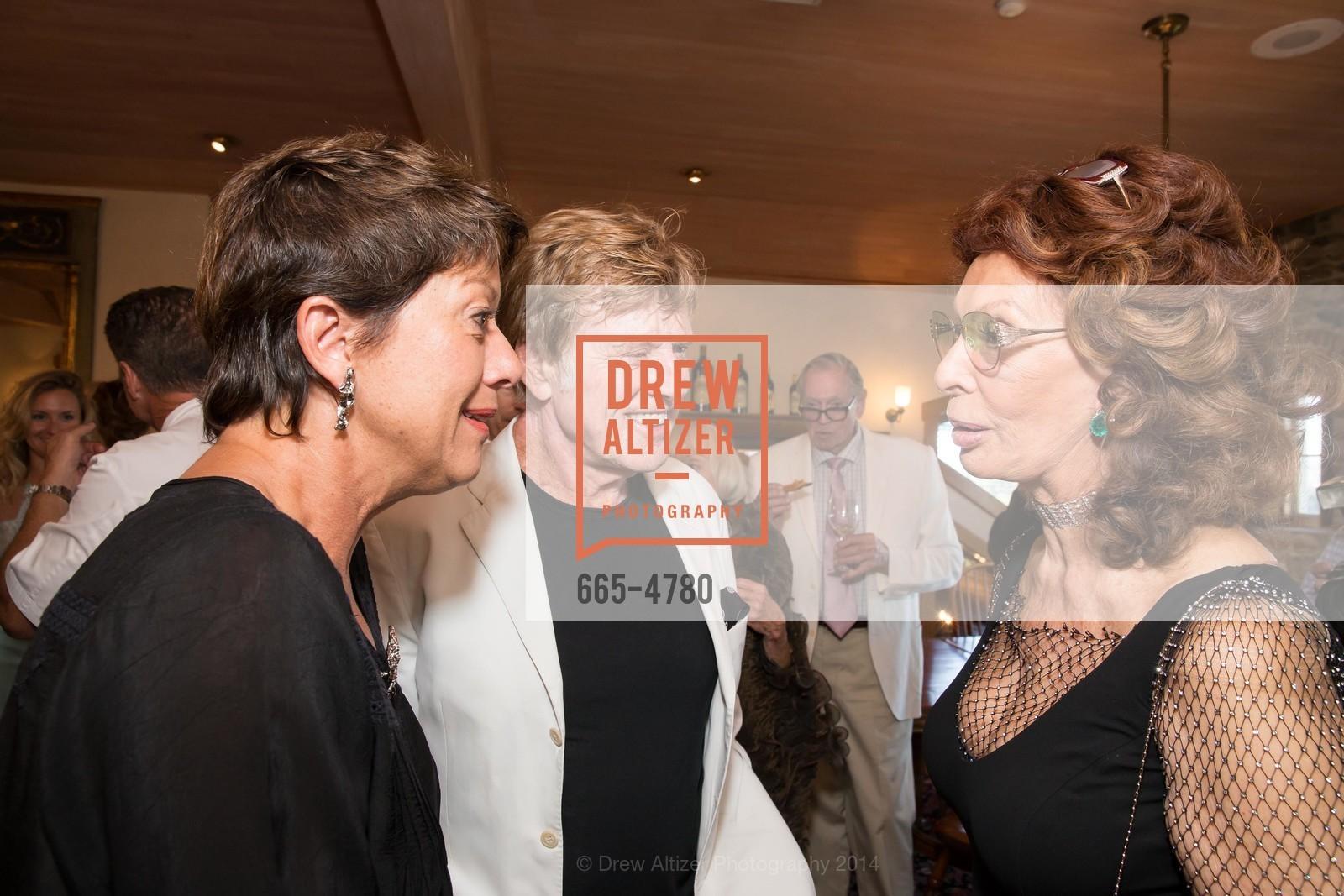 Sibylle Szaggars, Robert Redford, Sophia Loren, Photo #665-4780