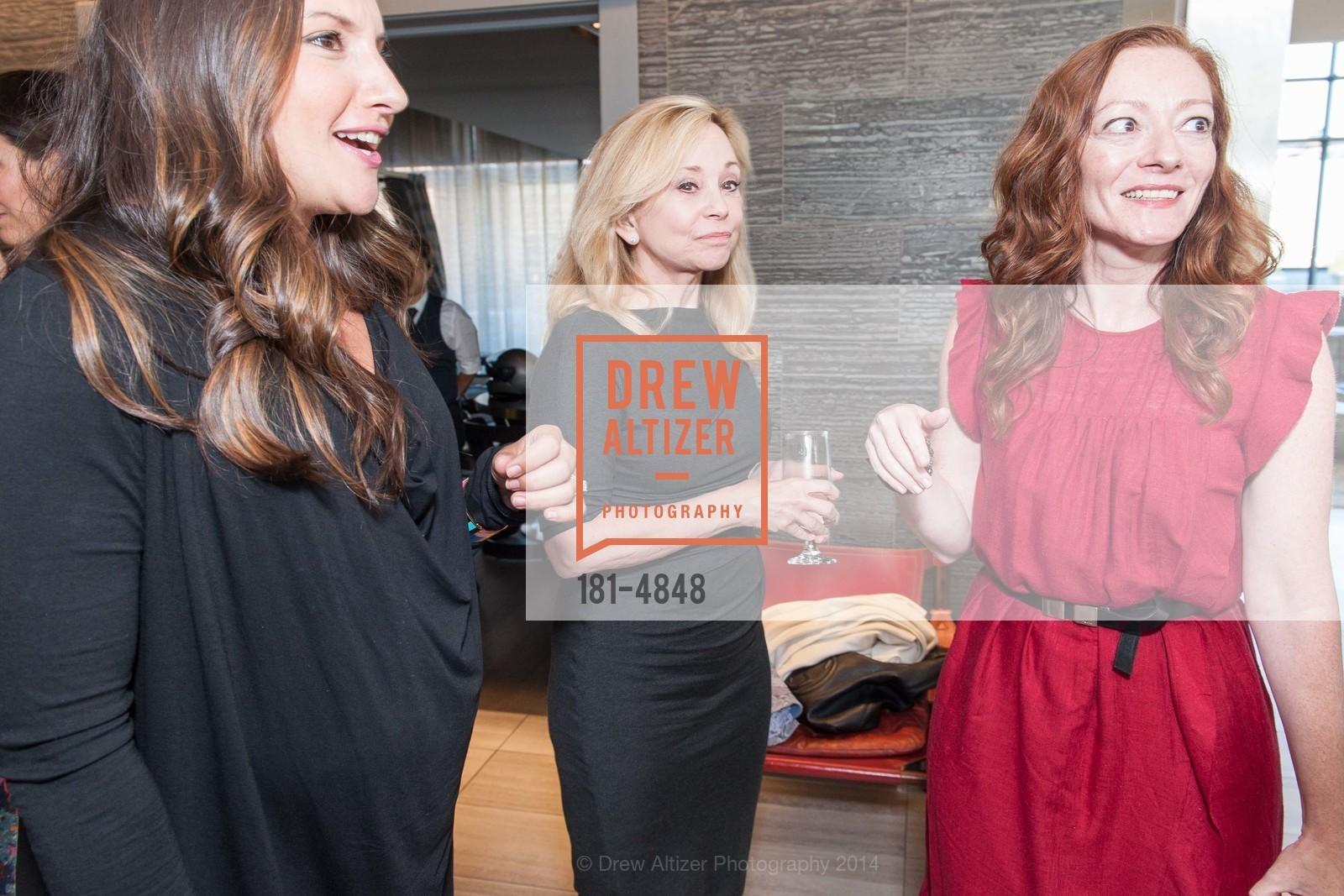 Julie Wainwright, Kimberly Fasting-Berg, Photo #181-4848