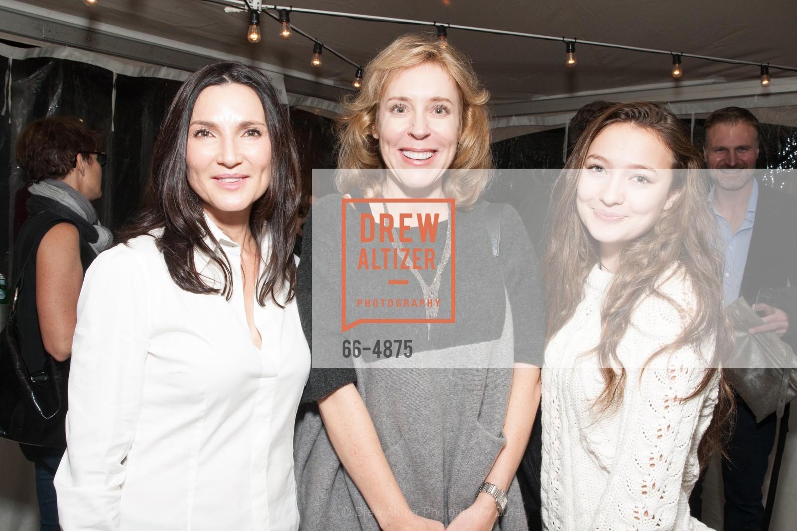 Michelle Battelle, Nicole Haslett, Chloe Battelle, Photo #66-4875