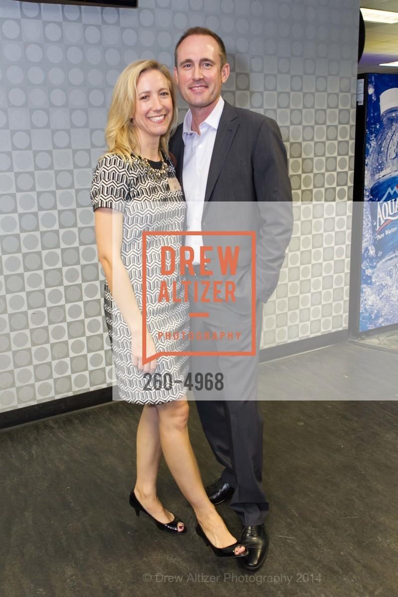 Ashley Bond, Tom Cruise, Photo #260-4968