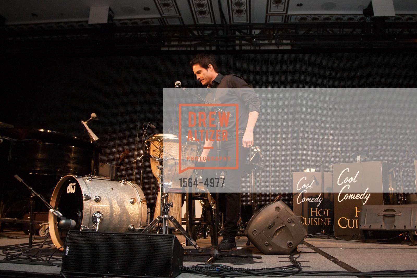 Performance By Pat Monahan (Train), Photo #1564-4977