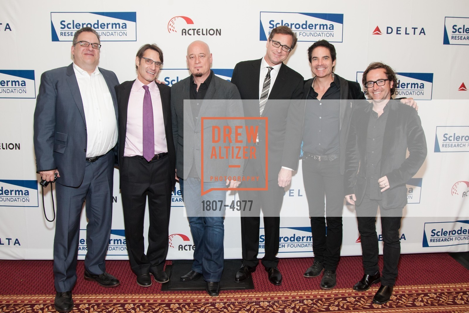 Jeff Garlin, Luke Evnin, Jimmy Stafford, Bob Saget, Pat Monahan, Jerry Becker, Photo #1807-4977