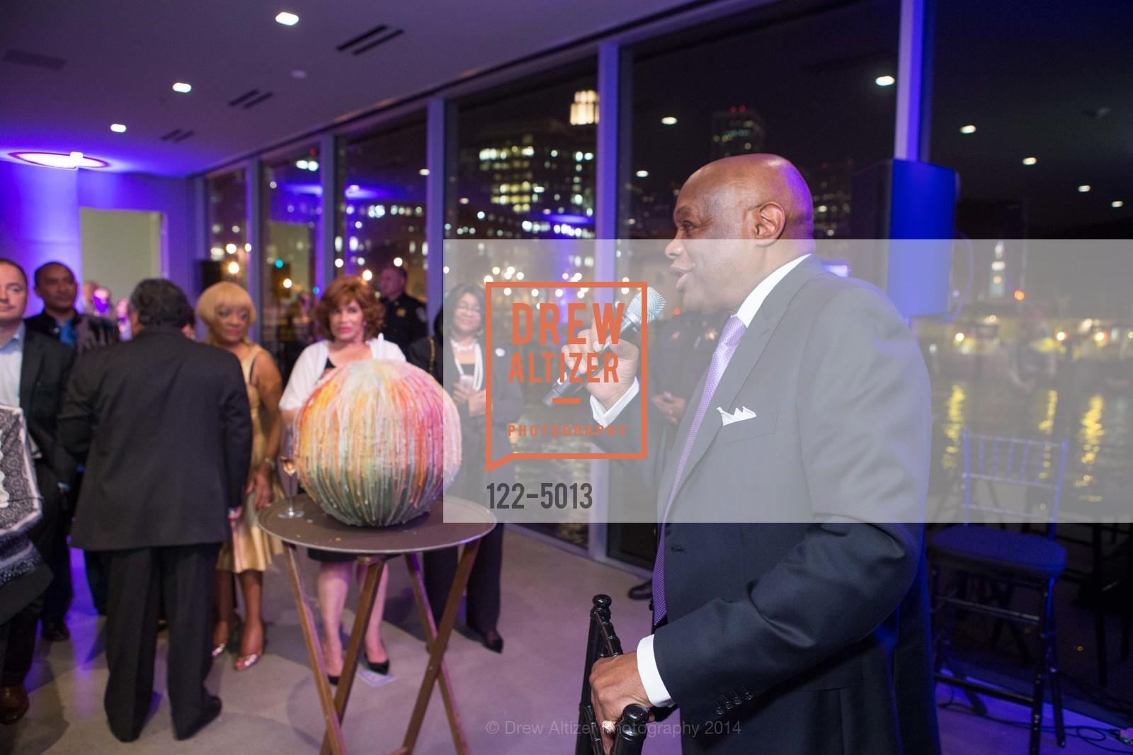 Willie Brown, Photo #122-5013