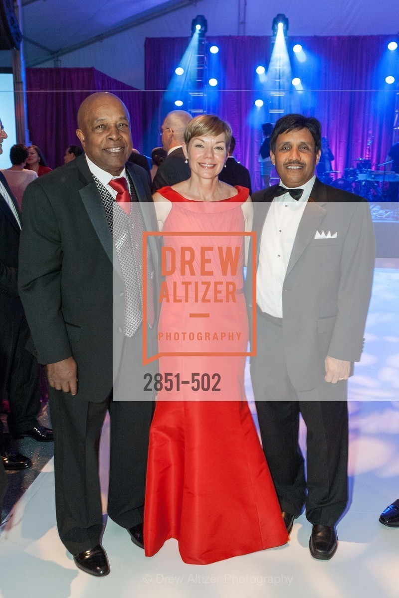 Ken Coleman, Paula Downey, Suresh Katta, 2014 RED CROSS Gala Honoring Paula Downey as the American Red Cross Bay Area Chapter Humanitarian CEO of the Year, US. Treasure Island (The Great Lawn), April 5th, 2014,Drew Altizer, Drew Altizer Photography, full-service agency, private events, San Francisco photographer, photographer california