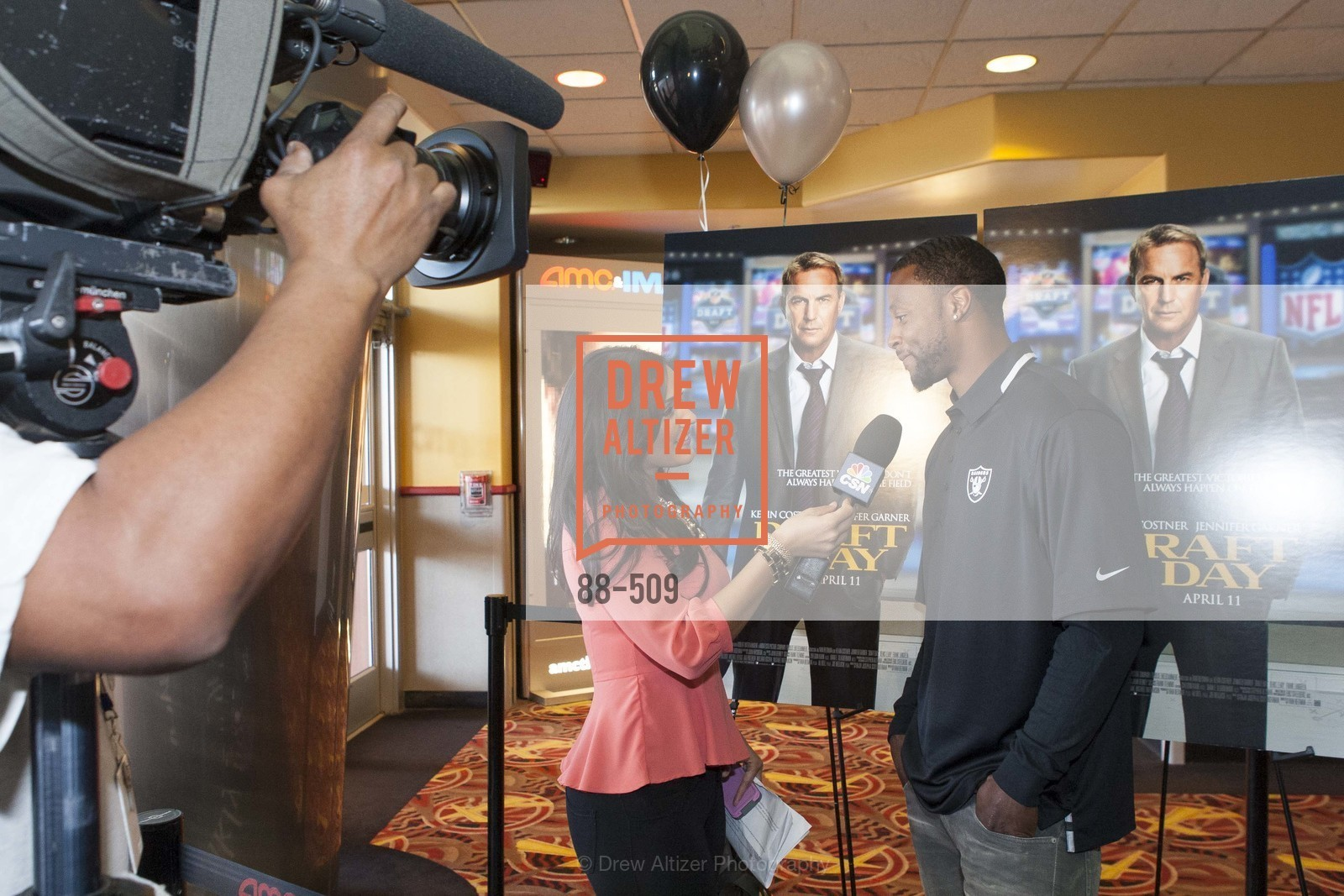 Taiwan Jones, SUMMIT ENTERTAINMENT Presents a Special Screening of DRAFT DAY with the Oakland Raiders, US. AMC 16 Shellmound, Emeryville, Ca, April 9th, 2014,Drew Altizer, Drew Altizer Photography, full-service agency, private events, San Francisco photographer, photographer california