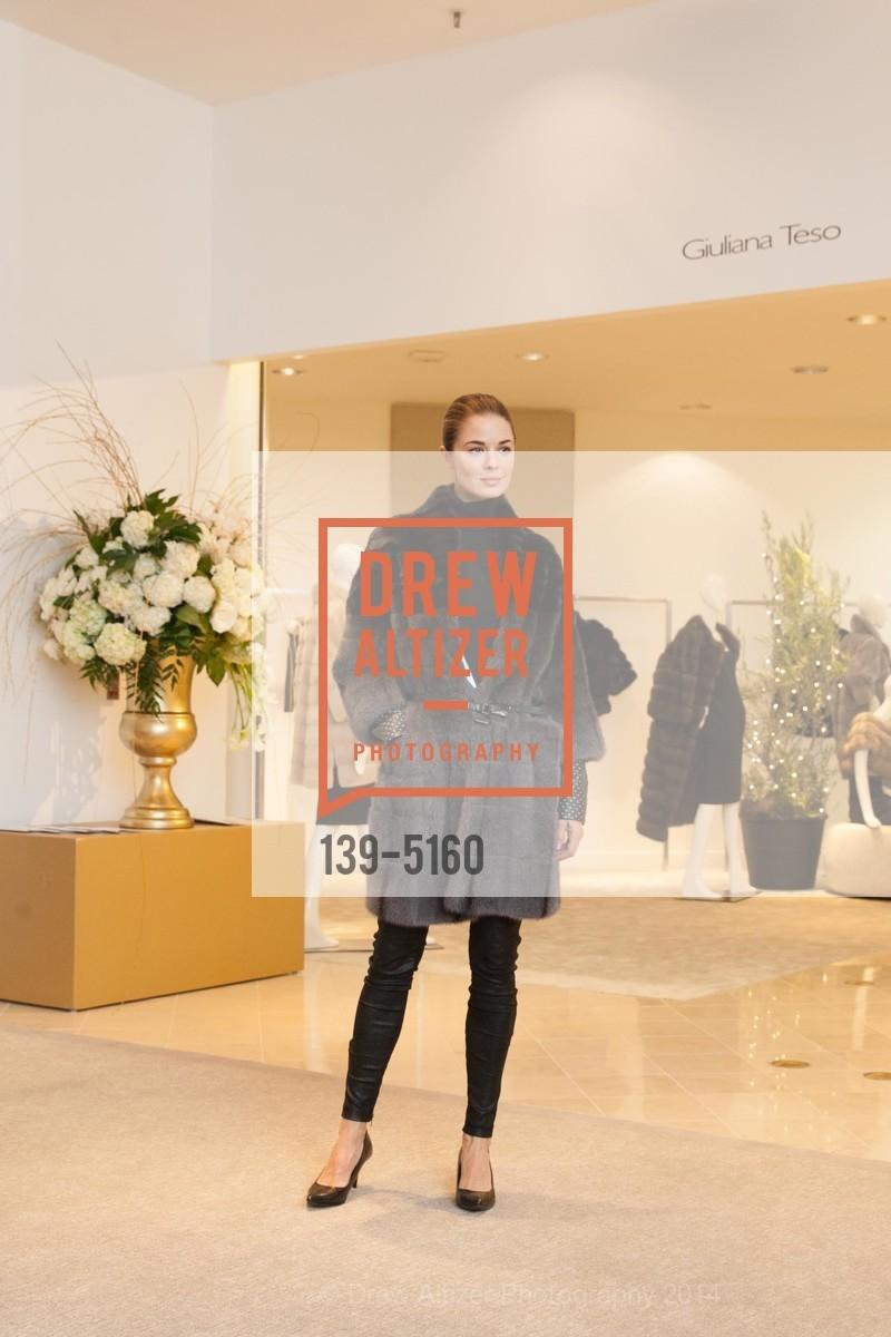 Fashion Show, Photo #139-5160