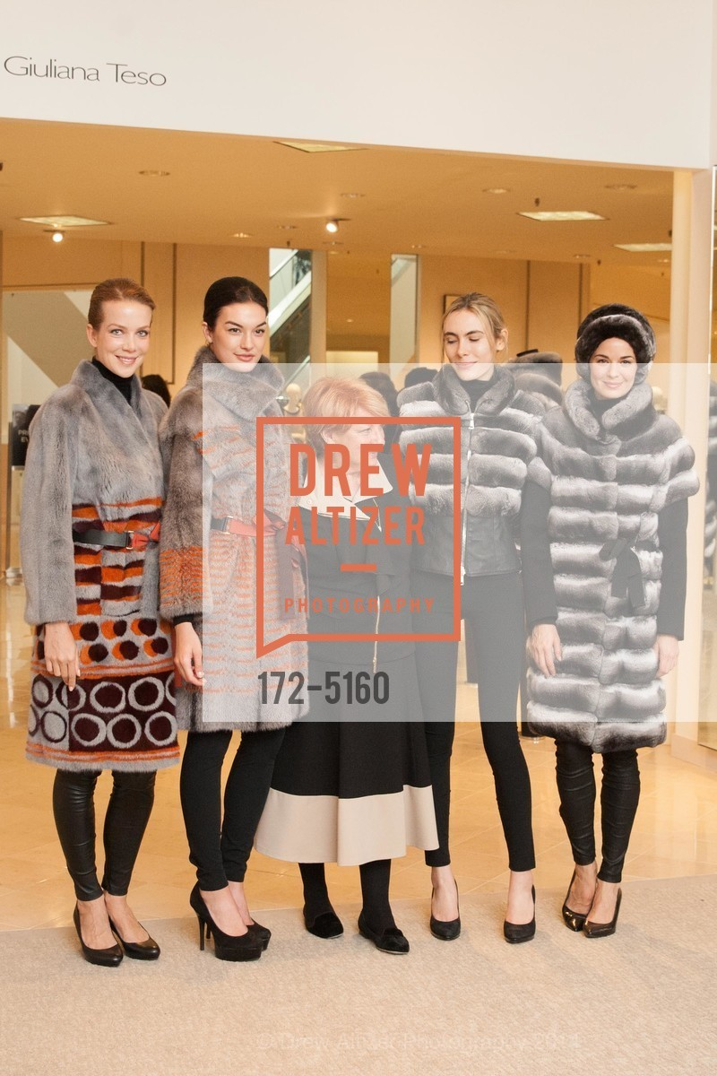 Rachel Sitz, Hannah Fugazzi, Giuliana Teso, Logan Link, Dubelko, Photo #172-5160