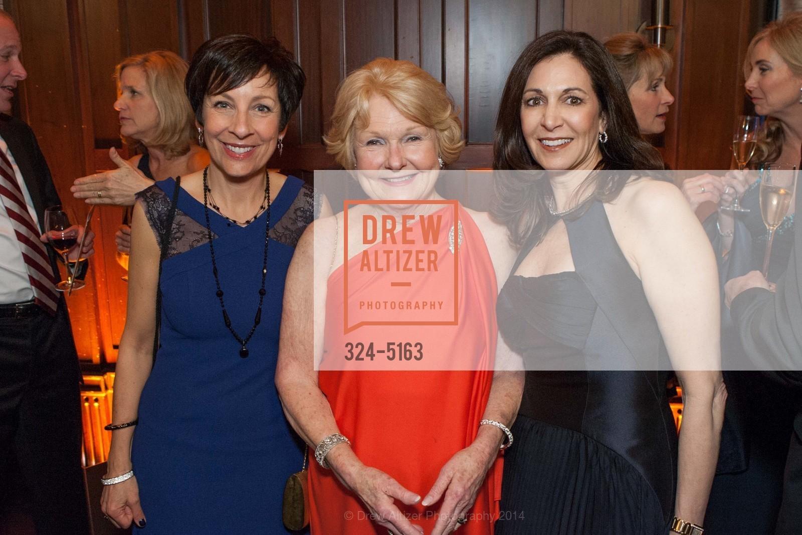 Patti Rueff, Ruth Wisnom, Joanne Goldstein, Photo #324-5163