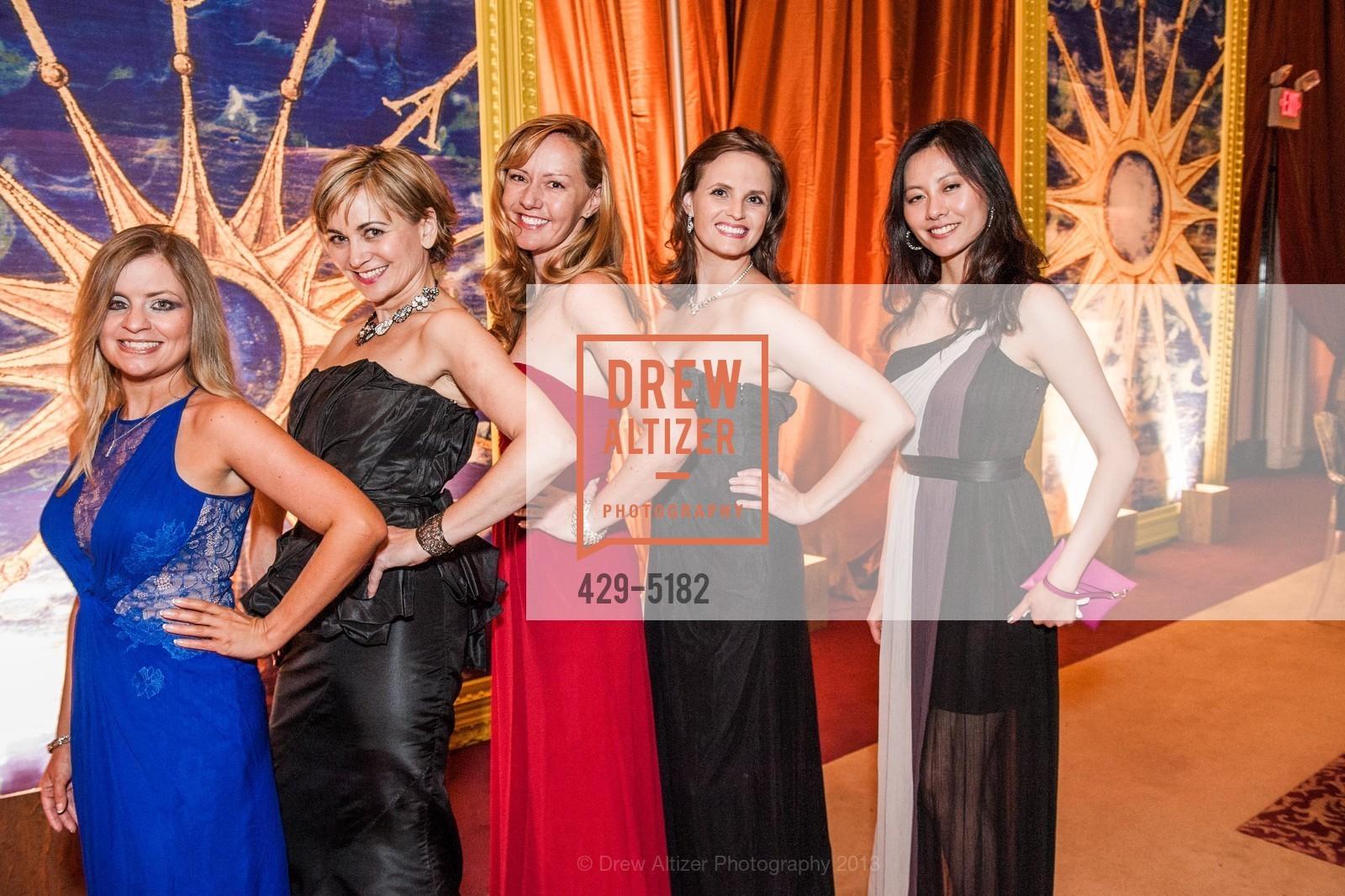 Julie Hall, Jane Burkhard, Nicki Ta, Alyson Blume, Vicky Teng, Photo #429-5182