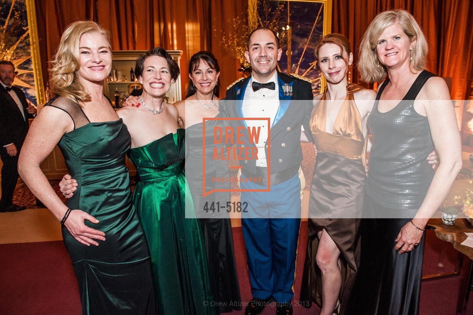 Rene Rodman, Meg Rae, Donna Bachle, Gustavo Fernandez, Laurel Schaffer, Meg Ruxtom, Photo #441-5182