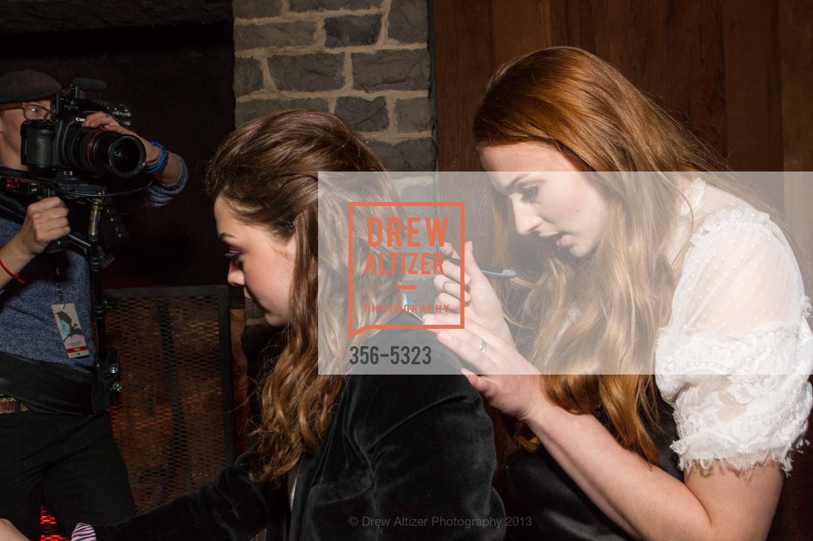Maisie Williams, Sophie Turner, Photo #356-5323