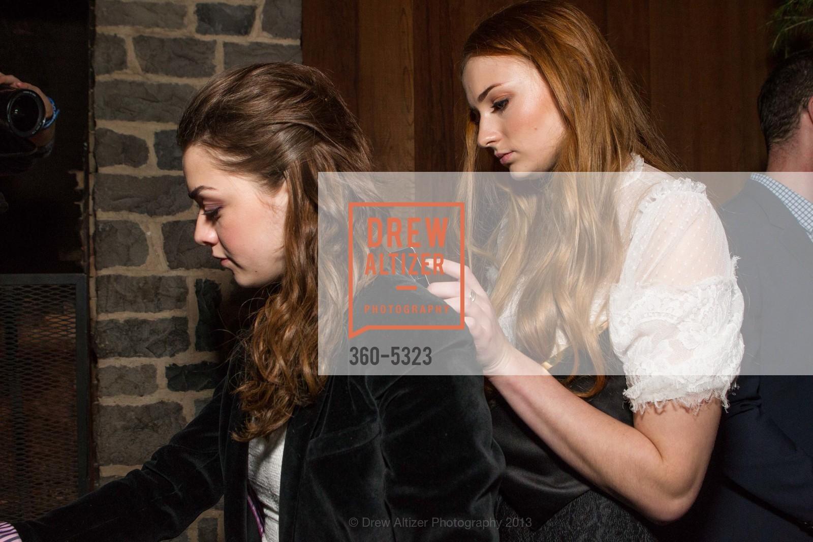 Maisie Williams, Sophie Turner, Photo #360-5323